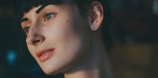 Bezinwazyjna plastyka uszu - sposób na Twoje kompleksy